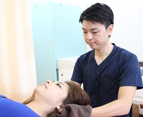 肩こり・首・背中の痛み・寝違えの施術法