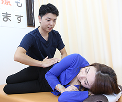 骨盤矯正の施術